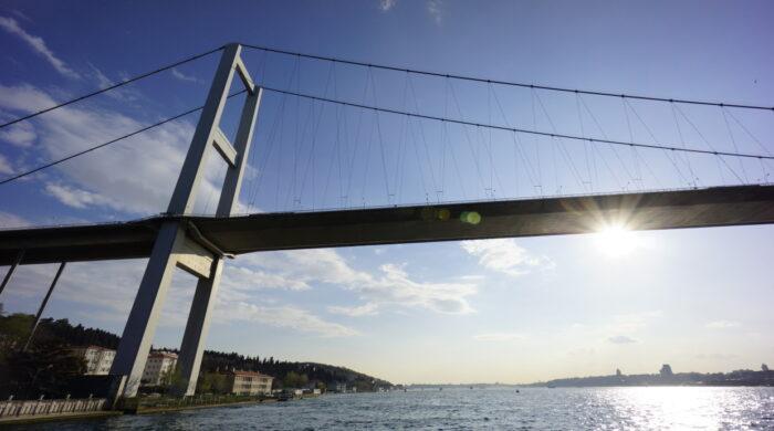 Brücke über den Bosporus in Istanbul